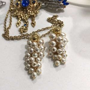 Beautiful pearl and gold grapevine earrings